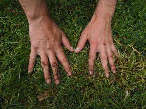 hands-1260770_960_720